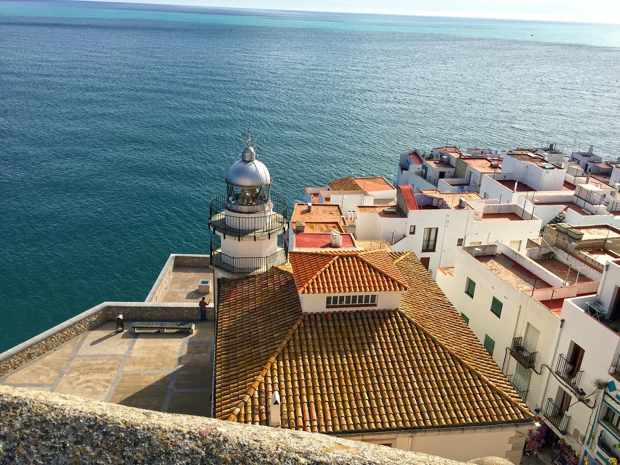 La subida al Castillo de Peñíscola, una gozada para los sentidos