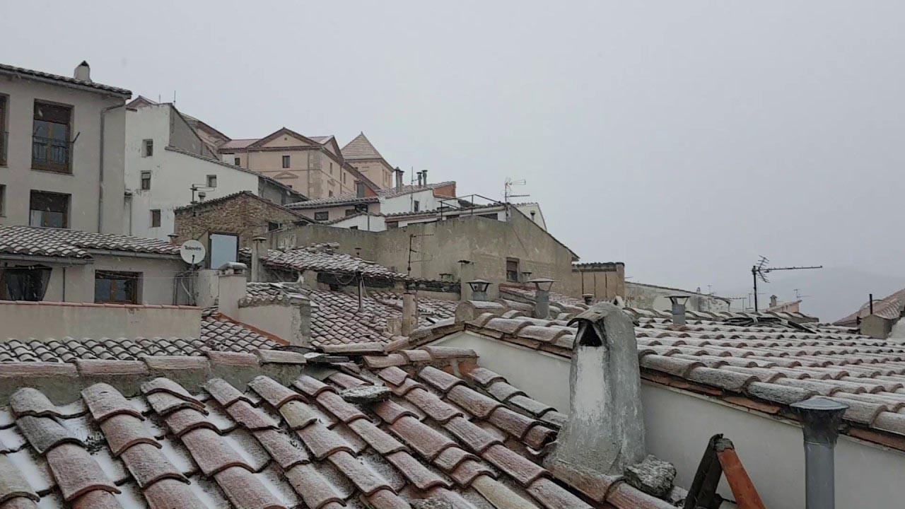 La nieve ha llegado a la comarca Els Ports