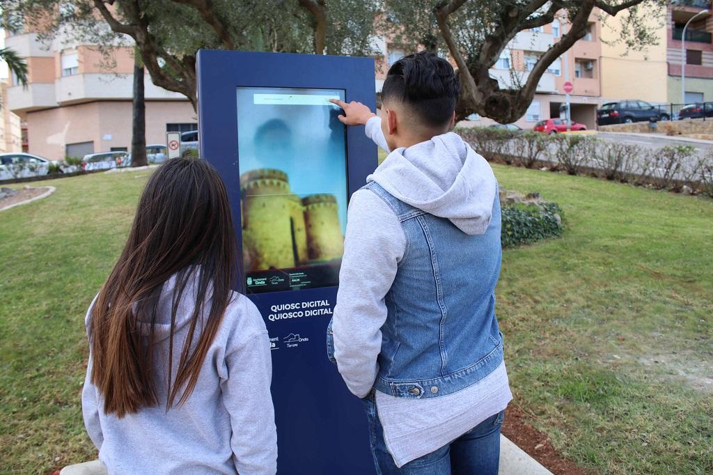 Onda instala tres dispositivos electrónicos de información turística
