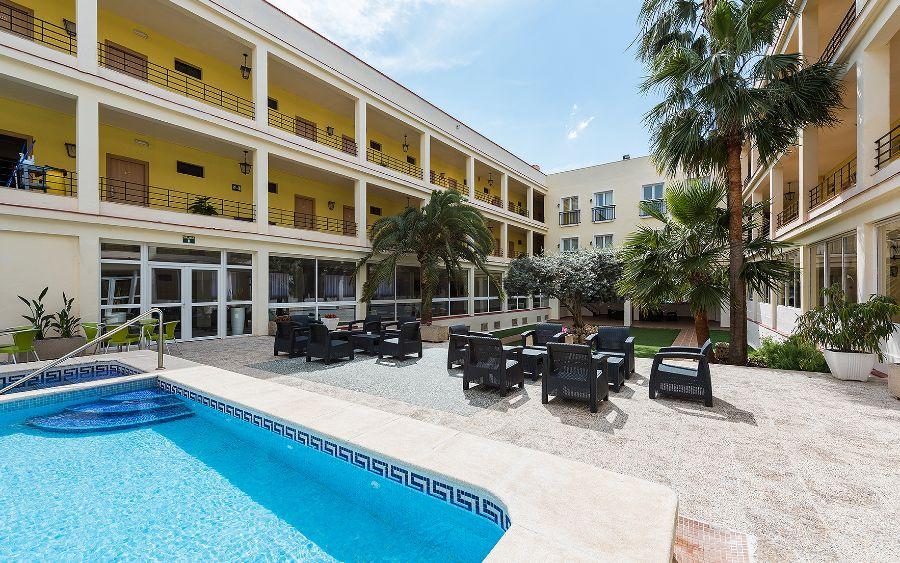 El Hotel del Golf Playa, alojamiento y experiencias gastronómicas desde el Grao de Castellón