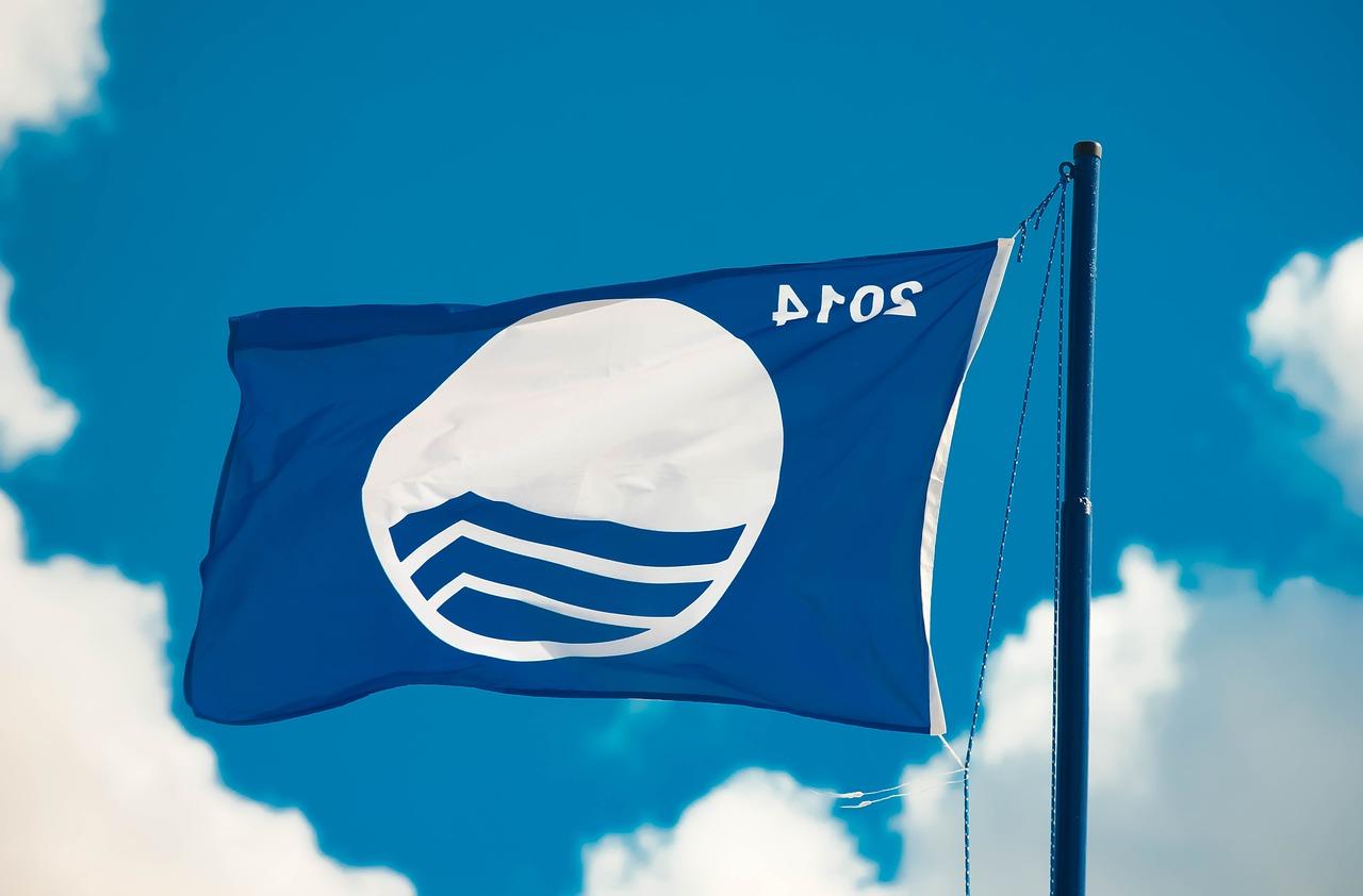 Castellón recibe 34 banderas azules para la temporada estival de 2018
