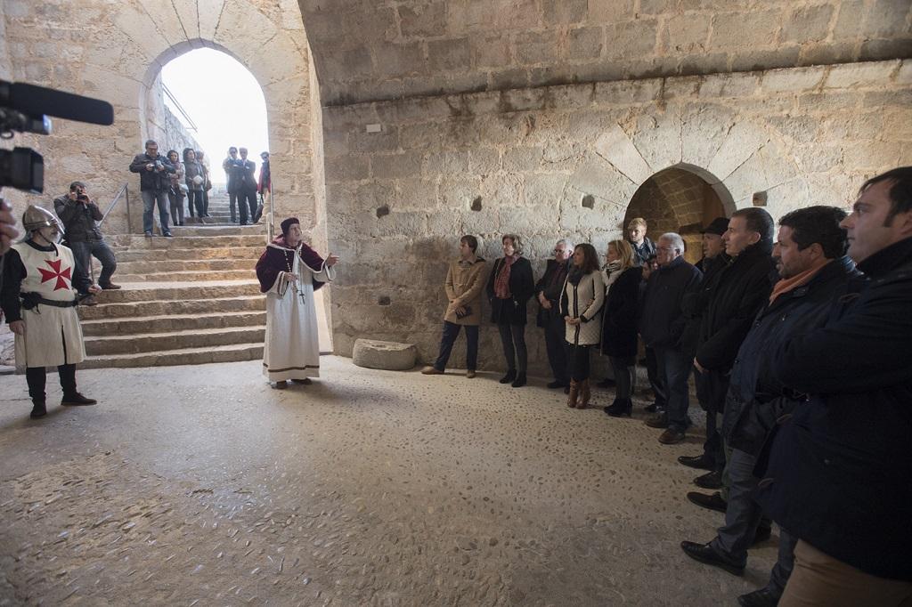 La Diputación estrena las visitas teatralizadas del Castillo de Peñíscola con el récord de 2.900 visitantes en una jornada
