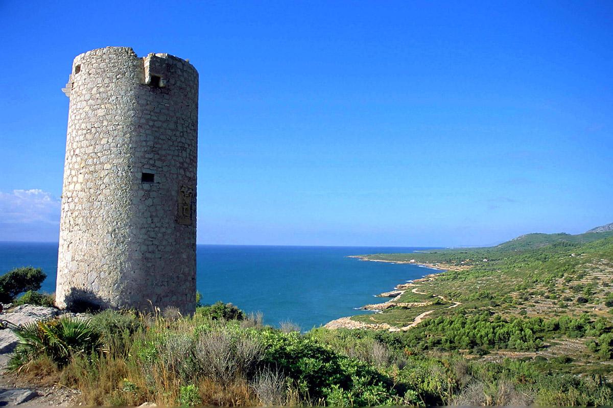 Torre Badum en las rutas senderismo de Sierra de Irta