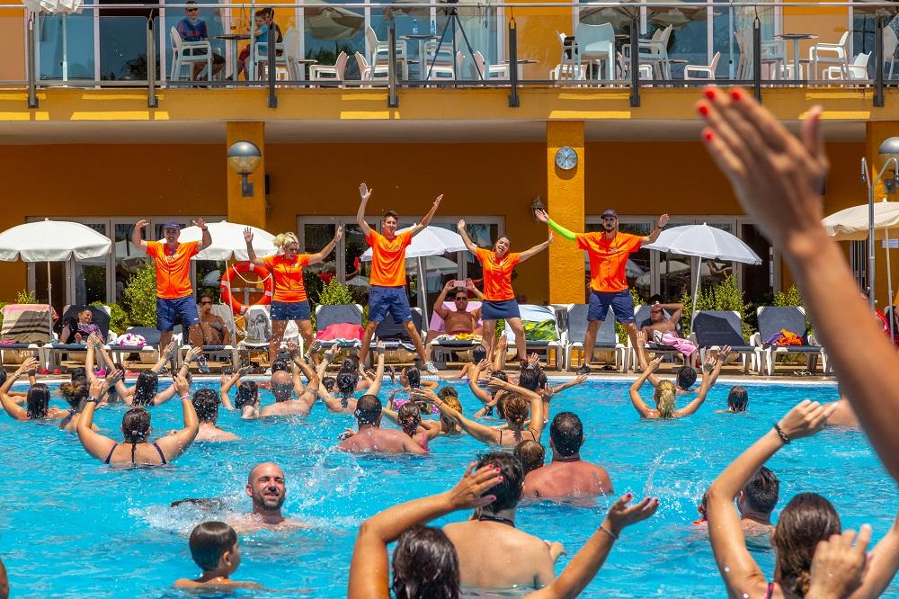 Gran Hotel Peñíscola animación piscina