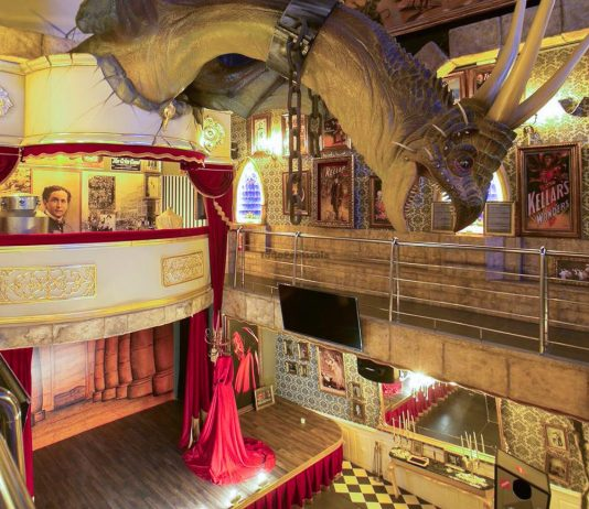 Magic Museum by Yunke en Peñíscola