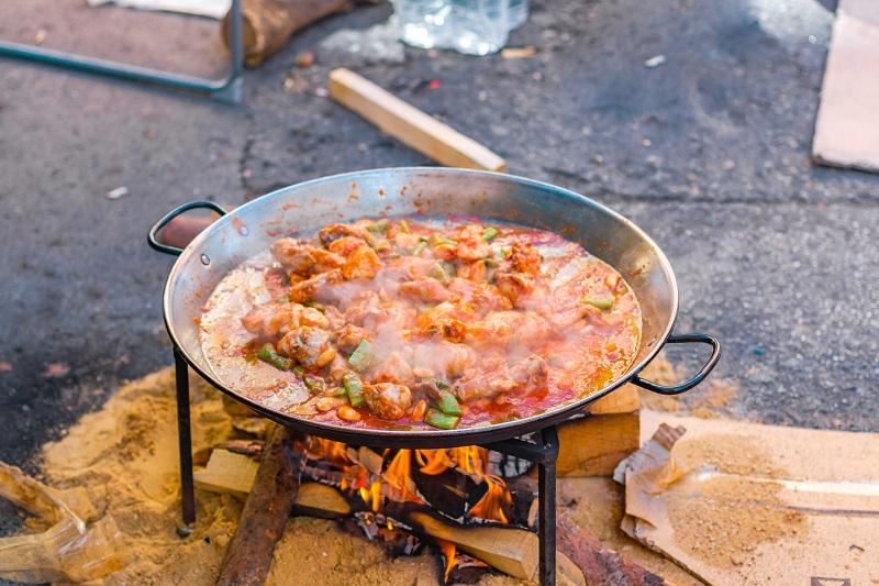 La paella, plato principal de todas las fiestas de Castellón